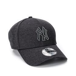 Bone-New-Era-3930-Clubhouse-Marinho-NY-Yankees-MLB