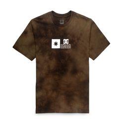 Camiseta-DC-M-C-Flag-Lines-Marrom-D461A0044
